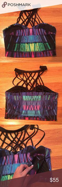 Bebe strappy halter crop top Multicolor. Halter neck with concealed side zip closure 95% polyester 5% spandex bebe Tops