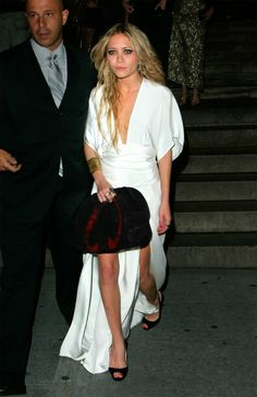 Mary-Kate Olsen in one of my fave looks of the season #KimonoDress