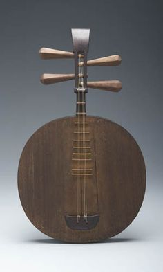 Yue Qin | Chinese, 19th century Maker unknown.  | Yale University Collection of Musical Instruments