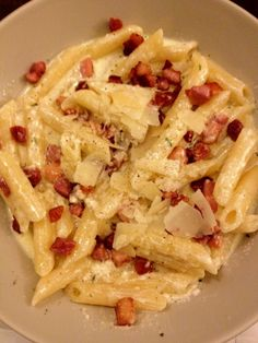 Romige pasta met krokante spekjes   Lekker en Simpel