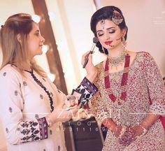 Wedding Wear, Wedding Bride, Wedding Dresses, Muslim Beauty, Indian Look, Bridal Photography, Embroidery Dress, Pakistani Dresses, Bridal Makeup