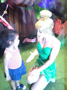 Conociendo formalmente a Campanita, AbiCool estaba muy sorprendida. #DisneyMagic #LaFamiliaCool