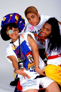 """""""I think I want to be Left Eye for Halloween - TLC"""" Many people dressed up as TLC & Destiny's Child for Halloween.They were very relevant in pop culture during the and early New Jack Swing, Hip Hop And R&b, 90s Hip Hop, Hip Hop Fashion, 90s Fashion, Style Fashion, Fashion Check, School Fashion, Fashion History"""
