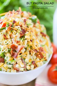 BLT Pasta Salad - Perfect for summer parties and BBQ'S www.swankyrecipes.com #blt #pasta #salad #bacon
