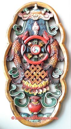 8 Symbols in Wood Carving These are eight Auspicious Signs in Tibetan Buddhism. Visit 8 Symbols in Wood Carving to know the meaning, or Rea. Buddhism Symbols, Buddha Buddhism, Tibetan Buddhism, Buddhist Art, Chakra Symbole, Tibetan Symbols, Tibetan Mandala, Tibet Art, Vajrayana Buddhism