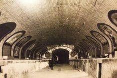 La red de Metro de Madrid esconde la estación abandonada de Chamberí, en desuso desde hace más de 45 años y hoy reconvertida en museo. Información, horarios, mapa […]