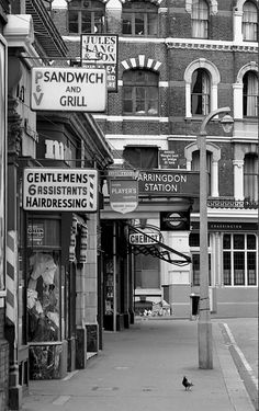 Pictures Of London In 1967 by Libby Hall - Flashbak - Farringdon Station, Cow Cross Street 1966 - Vintage London, Old London, East London, London City, Libby London, London United, London Pictures, London Photos, London History