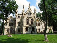Sturdza Castle - Iasi, Romania build between 1880 - 1904 Castle Break, Moldova, Best Funny Pictures, Romania, Barcelona Cathedral, Tours, Mansions, House Styles, Travel
