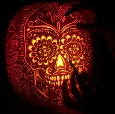 Pumpkin Carving Tips, Disney Pumpkin Carving, Halloween Pumpkin Carving Stencils, Amazing Pumpkin Carving, Pumpkin Carving Templates, Halloween Pumpkins, Scary Halloween, Halloween Quotes, Halloween Stuff