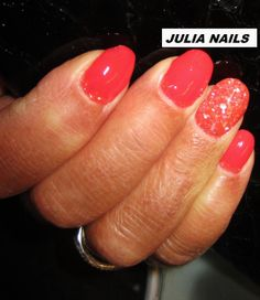 ONGLES EN GEL by JULIA NAILSGEL uv couleur CORAIL et COQUILLAGES. A la fois  discret