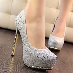 Your high heels questions answered. What is the difference between stilettos and high heels. Why are high heels called pumps. Does wearing high heels tone your legs. Can wearing heels cause hip pain High Heels Gold, Silver Heels, Platform High Heels, Womens High Heels, Sparkly Heels, Stilettos, Pumps Heels, Stiletto Heels, Bridal Shoes