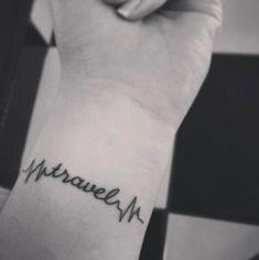 Sélection de tatouages dédiés à l'aventure et qui inspirent au voyage.