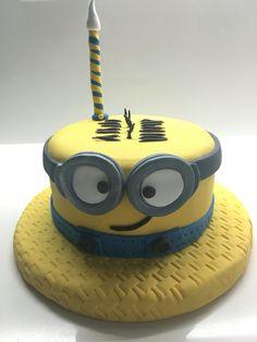 Torta minion Torta Minion, Minions, Cake, Desserts, Food, Food Cakes, Pastel, Deserts, The Minions