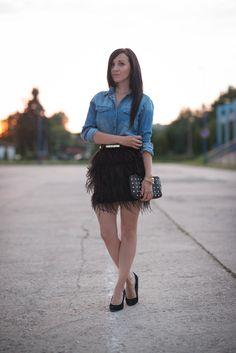 Jeans and feathers http://juliesdresscode.de