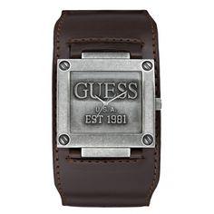 Montre Guess W90025G1 - homme  - marque : Guess Montres Voici une montre qui ne laisse personne insensible. Elle est réalisé en cuir et en acier vieilli. Le jonc est dessiné au style d'une manchette. Ce bijou peut se confondre faci... prix : 129.00 €  chez Bijourama #GuessMontres #Bijourama