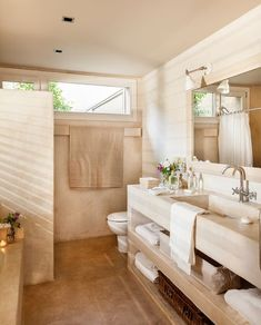 Baño Beard d bearded dragons Bad Inspiration, Bathroom Inspiration, Bathroom Styling, Bathroom Interior Design, Big Beautiful Houses, Ideas Baños, Bad Styling, Shower Remodel, Home And Deco