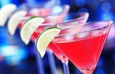 Uno dei drink più famosi, iconicamente rosa nella ricetta originale, e particolarmente caro allo star system e al mondo della moda