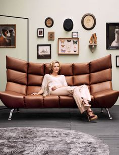 Modern chesterfield sofa by bretz for Couch 0 finanzierung