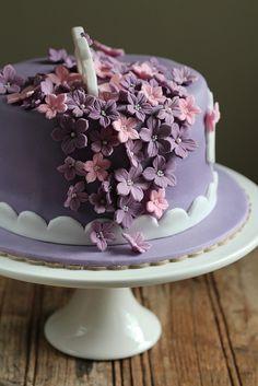 Petunia Purple Cake 2 by sweetius.com, via Flickr Purple Petunias, Purple Cakes, Cottage, Birthday, Desserts, Blog, Casa De Campo, Birthdays, Deserts