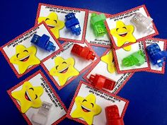 """Thanks for making this year so bright"" freebie gift card idea for student Christmas gifts (in Spanish, too)."