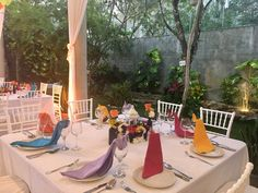 Boda mexicana Fair Grounds, Table Decorations, Fun, Furniture, Home Decor, Mexican, Wedding, Decoration Home, Room Decor