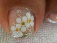 #uñasdecoradas Cute Pedicures, Mani Pedi, Manicure And Pedicure, Toe Nail Color, Nail Colors, Pedi Perfect, Daisy Nails, Healthy Nails, Toe Nail Designs