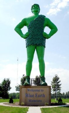 The Jolly Green Giant of Blue Earth, Minnesota puts other large roadside attractions to shame. He's 55 feet tall, and marks the mid-point of Interstate 90.