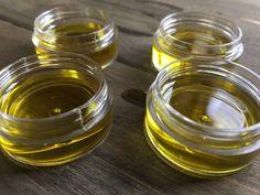 Green Tea Eye Cream to Reduce Fine Lines & Wrinkles #AntiAgingEyeCream Homemade Eye Cream, Homemade Skin Care, Homemade Beauty, Homemade Soaps, Homemade Facials, Anti Aging Eye Cream, Best Eye Cream, Aging Cream, Apricot Oil