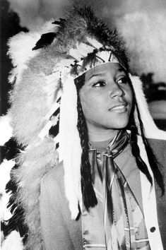 FSU Homecoming Queen, Doby Lee Flowers, the first African American homecoming queen at FSU! (1970) | Florida Memory