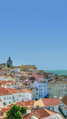 Lisbon's Old Town Alfama - falling in love with Lisbon, Portugal #Lisbon #Lisboa #Portugal @Alfama