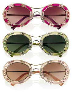 Les lunettes vénitiennes de Valentino http://www.vogue.fr/mode/news-mode/articles/les-lunettes-venitiennes-de-valentino/15610