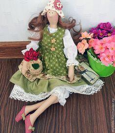 Купить Алисия с любимым цветком - оливковый, красивый подарок, красивая кукла, подарок девушке ♡