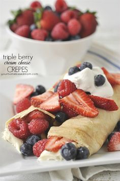 Triple Berry Cream Cheese Crepes Recipe - perfect for Easter and Mother's Day Brunch menus! These triple berry cream cheesed filled crepes are pretty and delicious. Easy to make and so yummy to eat. Cream Cheese Crepe Recipe, Crepe Bar, Dessert Crepes, Fruit Crepes, Delicious Desserts, Yummy Food, Crepes Filling, Funnel Cakes, Crepe Recipes