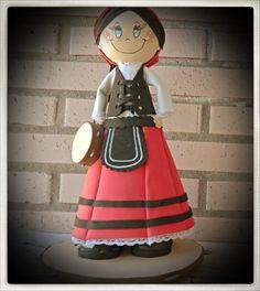 Fofucha montañesa unos de los trajes regionales de Cantabria más en                         http://lascosucasdelaconchi.blogspot.com.es/