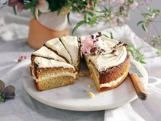 Pistachio Cake With Mascarpone Lemon Curd - Viva