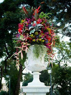 hemiciclo a juárez mexico city botanical sculptures by azuma makoto