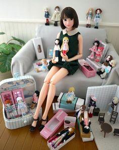 まずはいつもの小さいお人形部屋で記念撮影 #momokogr