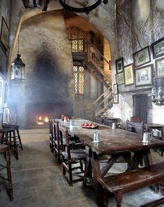bar Leaky Cauldron