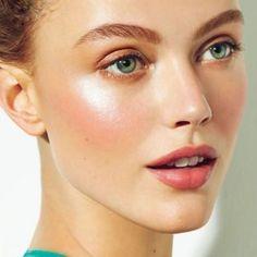 Make Up - RMS Beauty, Living Luminizer, Bescheiden - Wallpaper Pinme Dewy Makeup, Makeup Tips, Hair Makeup, Eyebrow Makeup, Makeup Ideas, Beauty Make-up, Hair Beauty, Beauty Hacks, Clean Beauty