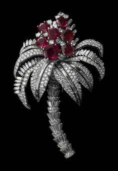 Brooch-Cartier-Paris-special-order-1957-830x1200