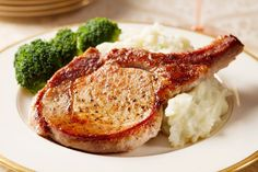 Make Perfect Juicy Pork Chops with This Easy Recipe