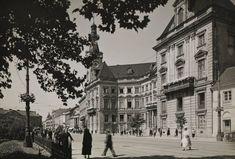 Warszawa - ulica Senatorska przed Ratuszem w Pałacu Jabłonowskich  (lata 30. XX w.)