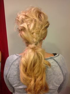 Low ponytail with sewing back
