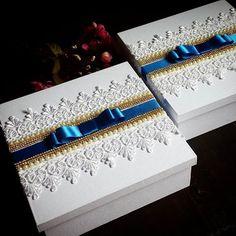 Lembranças para Pais e Padrinhos. . #atelielembrandocomamor #caixa #caixapersonalizada #lembrancapadrinhos #lembrancinha #gift #mimospersonalizados #mimosparacasamento #caixabranca #caixaemtecido #caixinha #box #lembrancadeluxo #caixaparapais #caixaparapadrinhos #caixaparamadrinhas
