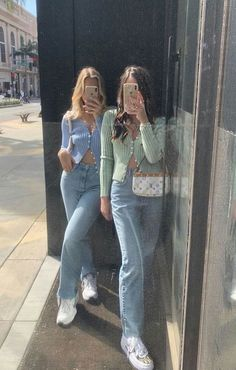 trendy outfits for summer trendy outfits . trendy outfits for summer . trendy outfits for school . trendy outfits for women . Look 80s, Look Retro, Look Vintage, Vintage Wear, Fashion Vintage, Retro Style, Vintage Black, Retro Vintage, Mode Outfits