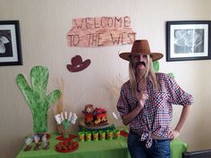Welcome to the west. birthday 6 years. cowboy. cowboy party,  candy bar, cowboy cake