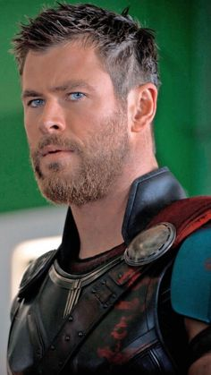 — thor odinson like or reblog if you save Chris Hemsworth Thor, Beard Styles, Hair Styles, Hemsworth Brothers, Australian Actors, Man Thing Marvel, New Haircuts, Haircut Style, American Actors