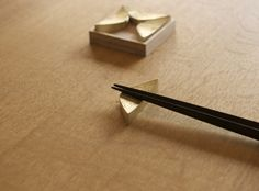 FUTAGAMI Brass Chopstick Rest
