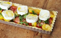 French tomato tart - French tomato tart – piece by piece - Easy Alcoholic Drinks, Cooking Recipes, Healthy Recipes, Alcohol Recipes, Rum Recipes, Quiches, Lunches And Dinners, Yummy Snacks, Food Porn
