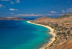 Green careful waters and golden sands - the treasures to be discovered in Porto Santo.           Place : Porto Santo , Portugal